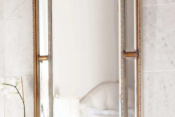"""Зеркало в раме """"Гарри"""" Gold LouvreHome купить в салоне-студии мебели Барселона mnogospalen.ru много спален мебель Италии классические современные"""